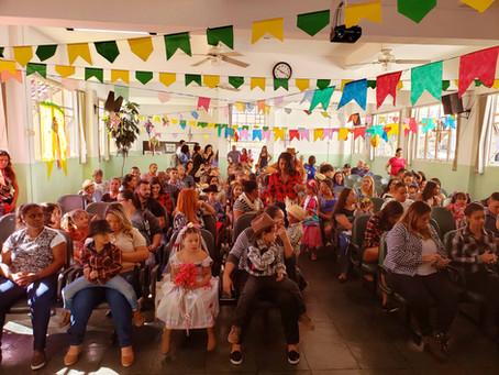 Alunos do projeto Creche Casulo encerram semestre com muita animação na festa Julina
