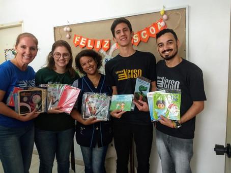 InVerso faz doação livros para APAE Curitiba na Páscoa