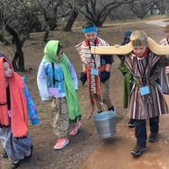 field-trip-carrying-water-sahuarita-stud