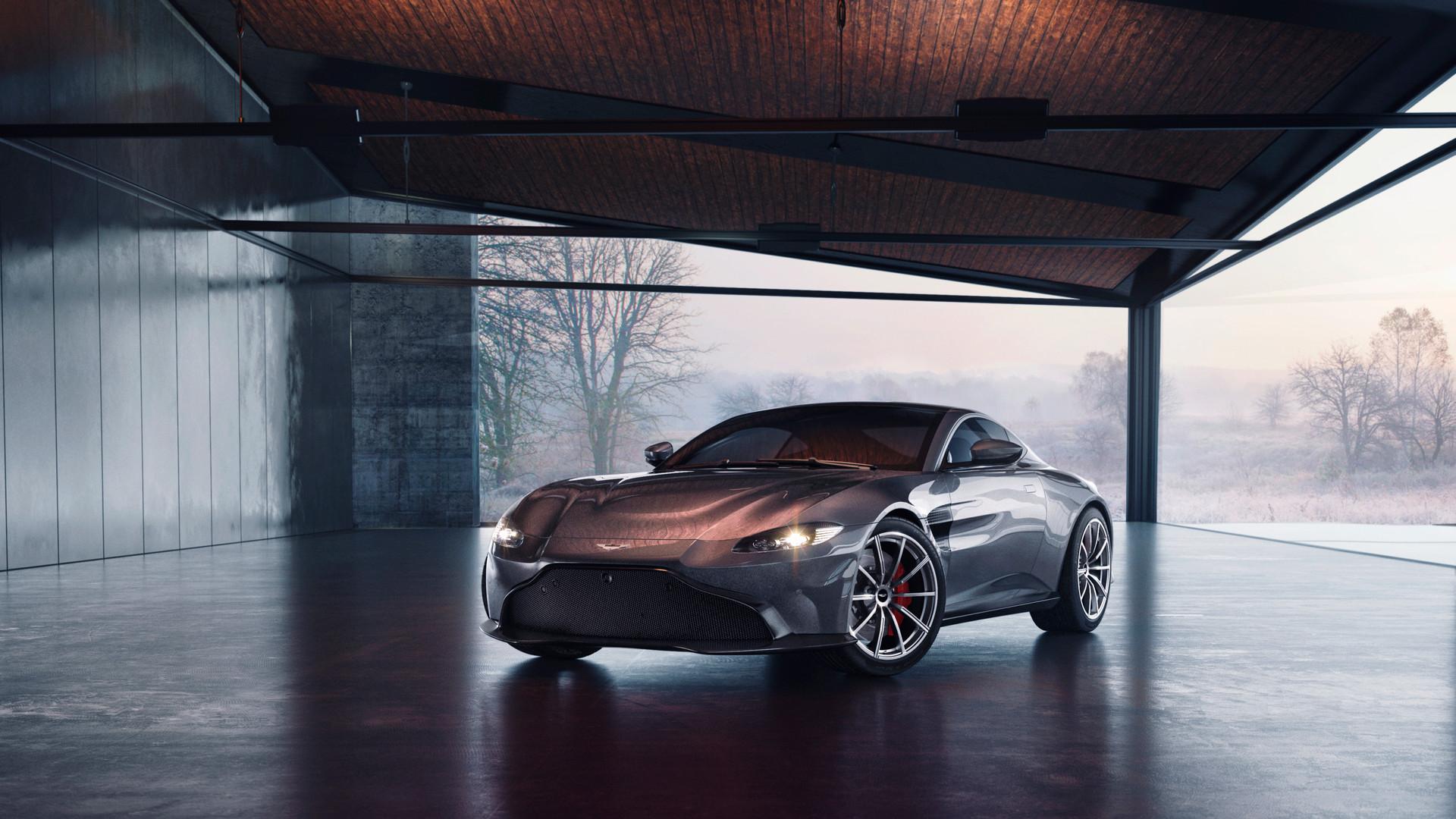 Alex Bernstein - Aston Martin