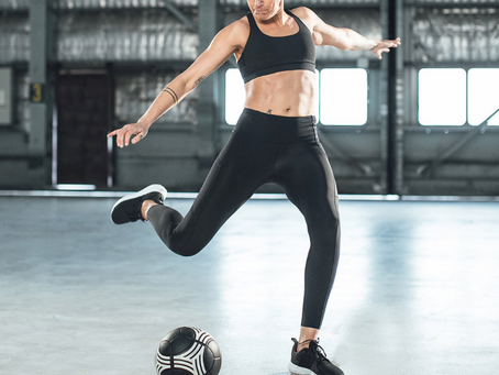 An Off-Field Guide to On-Field Success - Hannah Bromley with Lululemon Aus & NZ