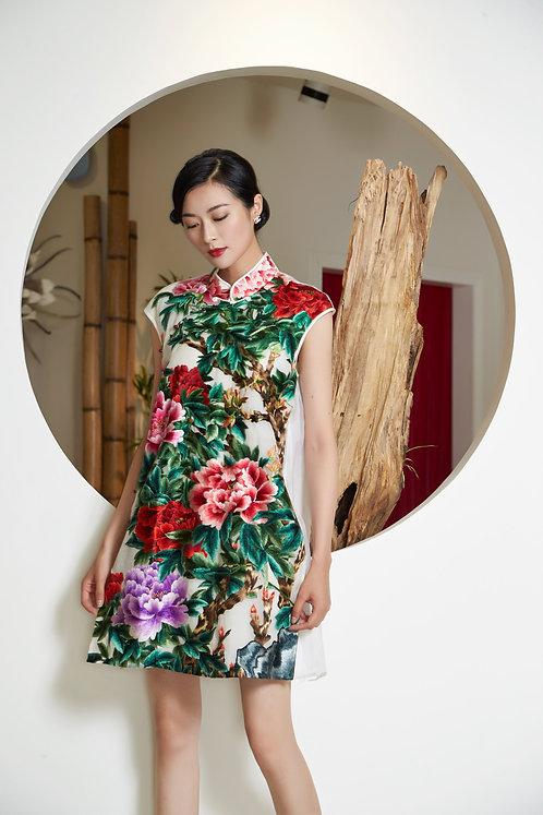 Sew the Splendid — Zhou Xue Qing's Embroidery Art Exhibition 錦心繡手—周雪清刺繡及旗袍展