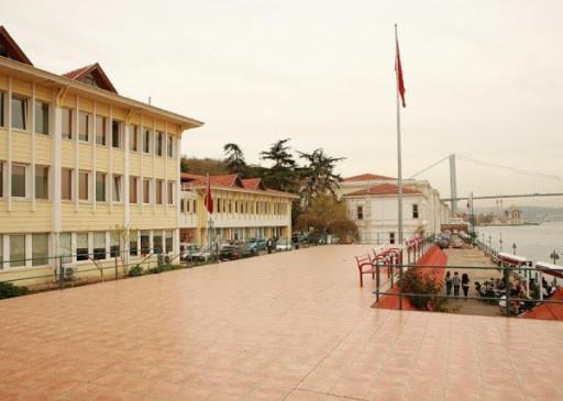 Kabataş Erkek Lisesi Binası