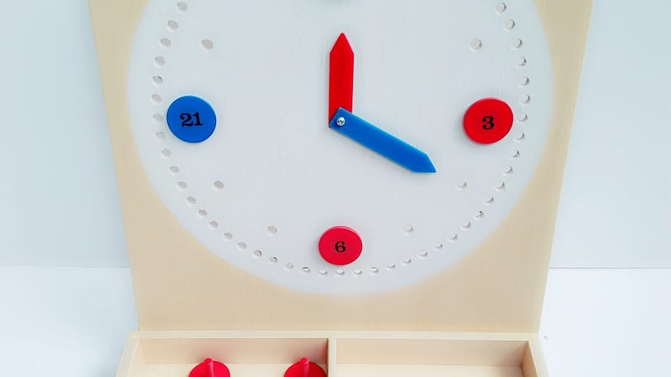 Clock Puzzle with Movable Hands