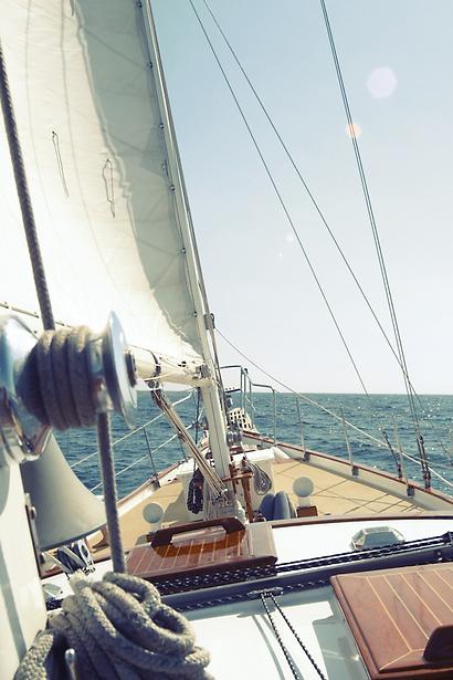 Sailing_edited.png