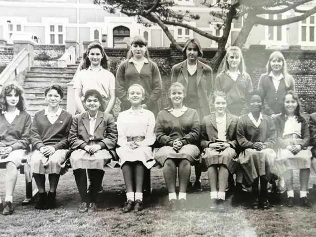 c 1991, Form 2, many of the same girls as previous image.