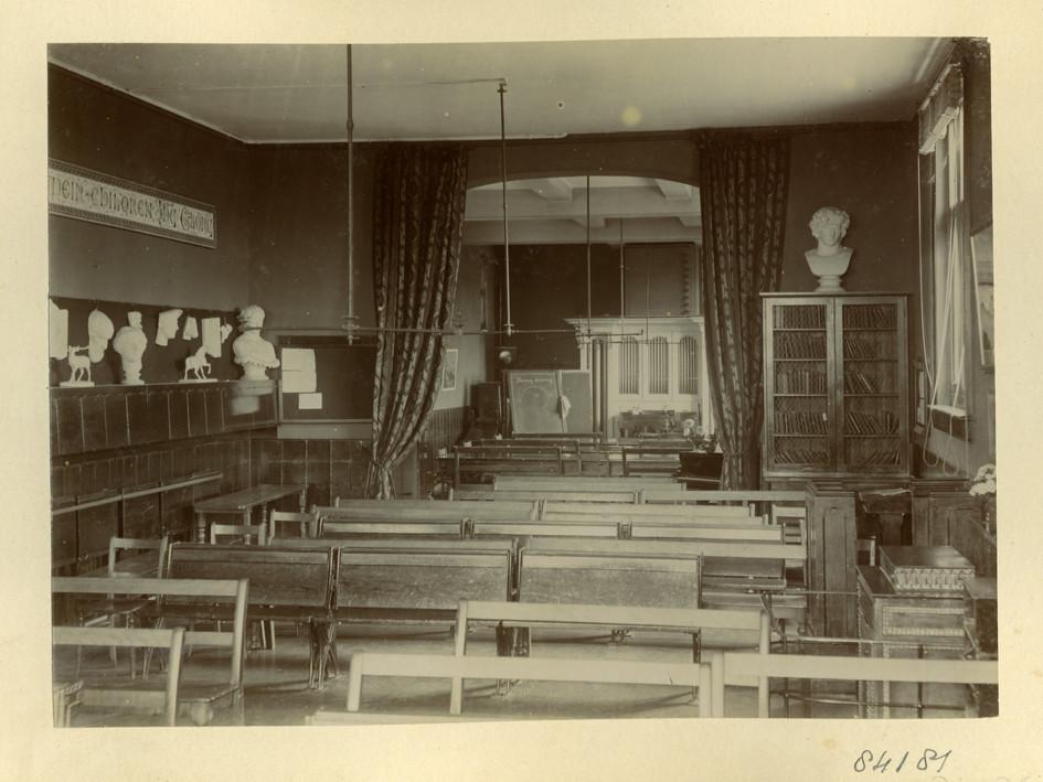 Classroom 1896