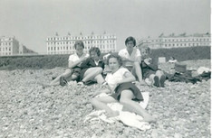 Group includes Madeline Dale, Brita Seeburg on the beach, kindly supplied by Jane Wharton (Alsop).