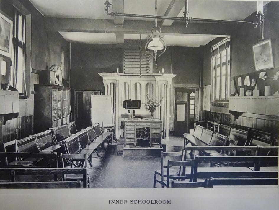 Inner Schoolroom c1907.JPG