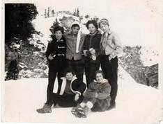 Penny Barnes' photo, ski trip to Engleberg in 1959/60.L-R (back) unknown, Brit Yri (Seeberg), Jean Kerr, Rosemary Dodd. L-R (front): Penny Barnes (Ryall/Hunt) Veronica Smith (Alsop)