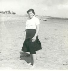 Amanda Hobson on the beach - kindly supplied by Jane Wharton (Alsop)