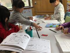 教室に入って、すぐ宿題を出して、まとめてくれる習慣は先生にとてもスゴく助かる。_