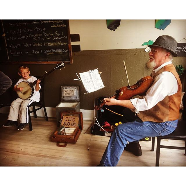 Square dance tonight at 7pm!!!! See all you good folks here at the #folkschoolcoffeeparlor then!__#s