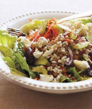 Zdravy salat ze sterilovane cocky s kozim syrem