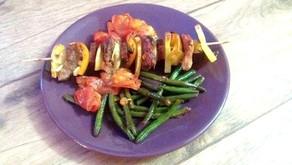 Masový špíz se zeleninou na grilu