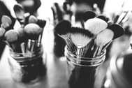 brushes-1837192_1920.jpg