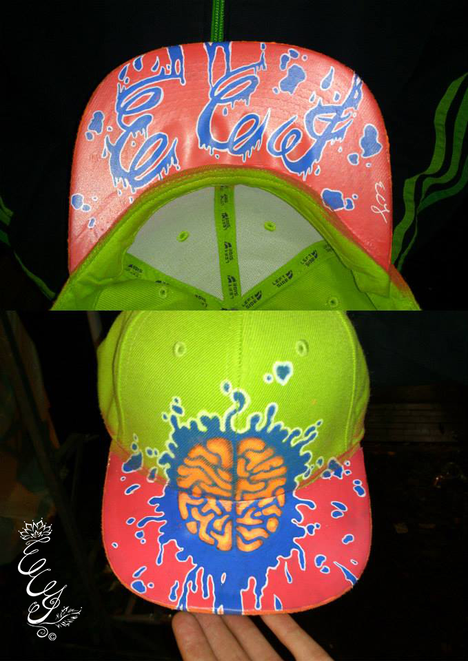 Green _ pink brain cap - 2013 - web