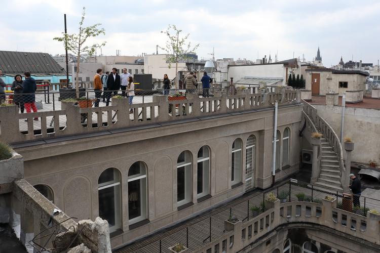 Snídaně na střeše