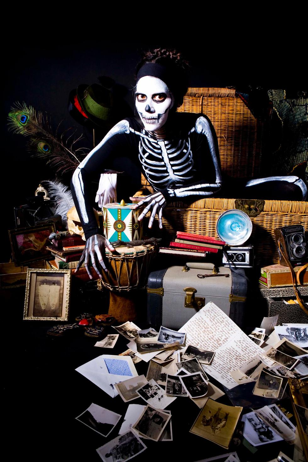 skeleton-woman_body-art-by-oliver_model-