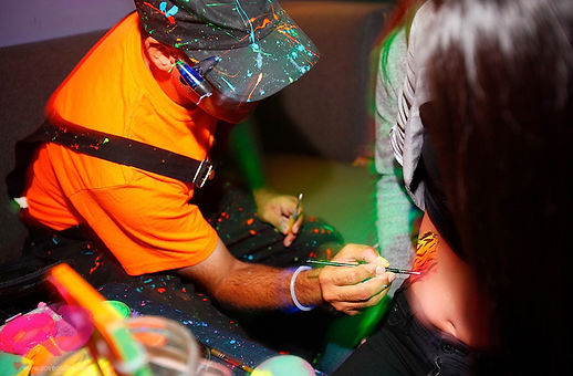 oliver-at-work_1_body-painting_night-clu