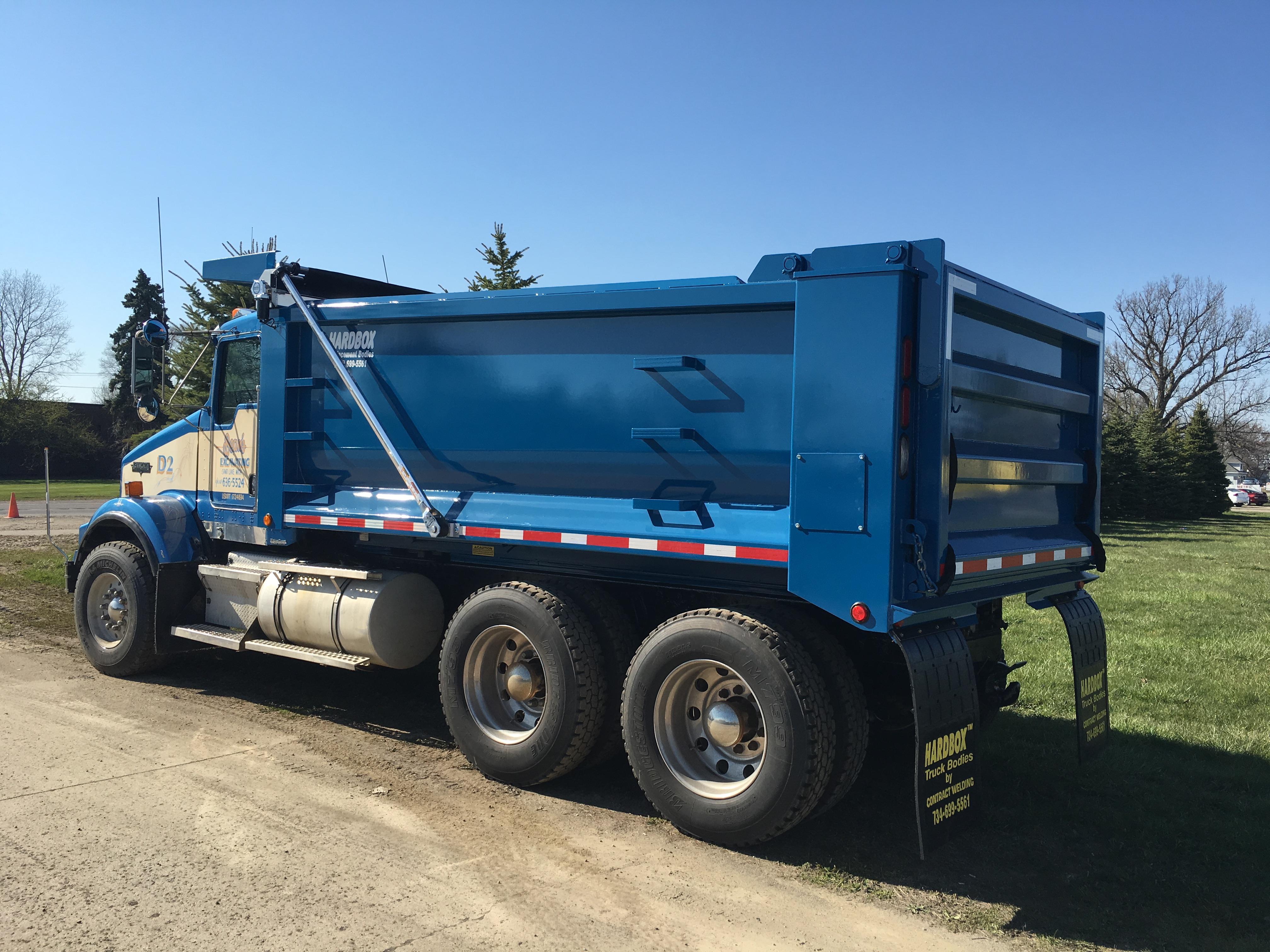HB-16' Hardbox Truck Mount