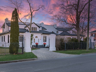 UNDER CONTRACT| $2,749,900