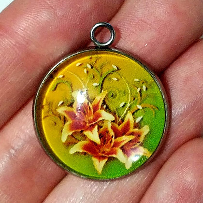 Flower Necklace Pendant with Chain