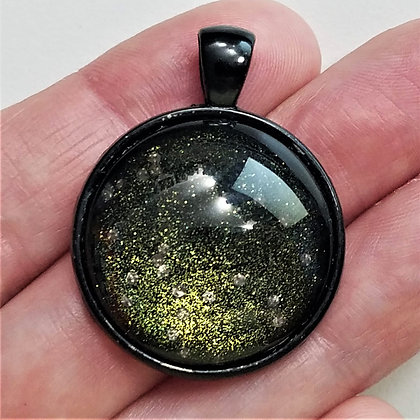 Green Sparklng Glitter Black Pendant with Cord Necklace
