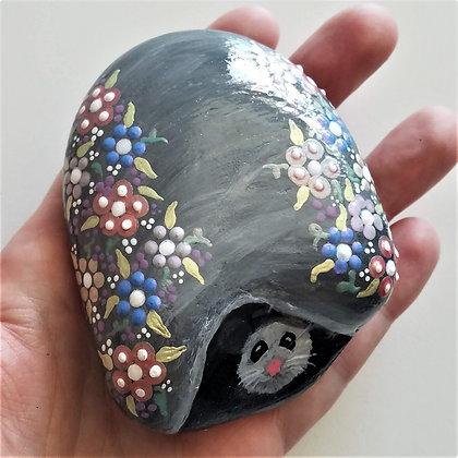 Handpainted Hiding Mouse Northeast Stone