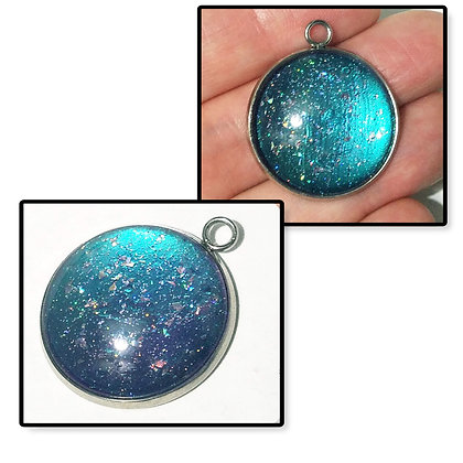 Blue Purple Colorshift Round Necklace Pendant with Chain