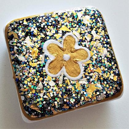 Handpainted Santorini Flower Gold Glitter Stone