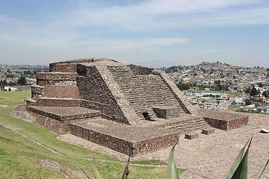 Calixtlahuaca,_Temple.jpg