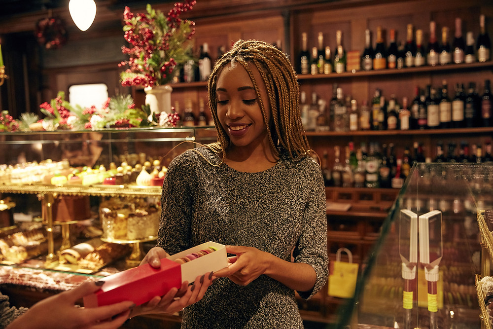 woman shopping in minocqua wi