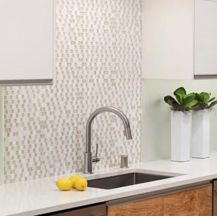 Lower level kitchen 5.jpg