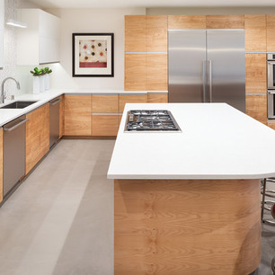 Lower level kitchen 3.jpg