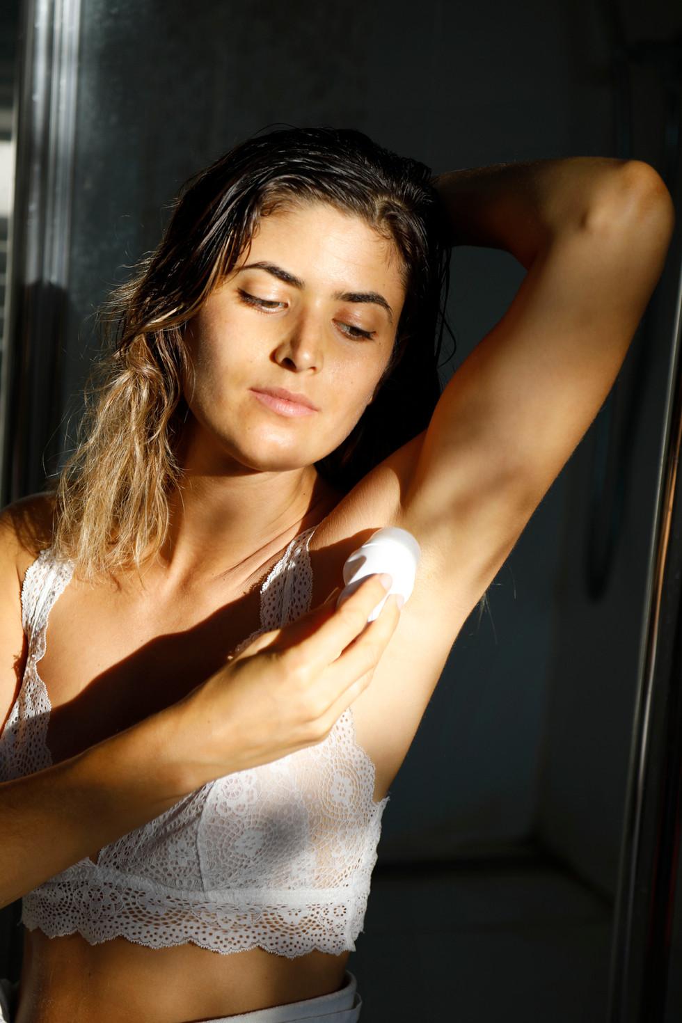 deodorant02.jpg