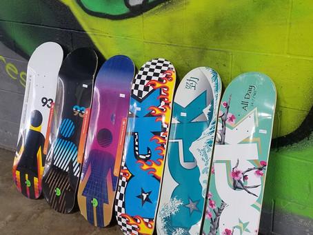 Skate Shop / DGK & GIRL Decks