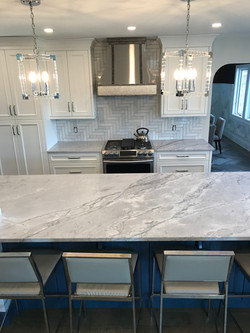Superwhite Quartzite (natural stone)