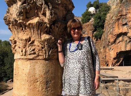 Caesarea Fillipi, Pan's grotte og dåp i Jordan