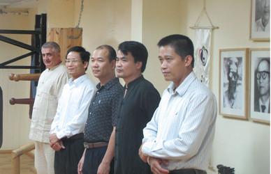 נציגי השגרירות