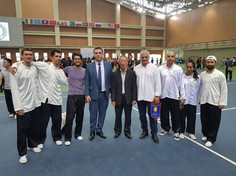 """עם שגריר ישראל בהאנוי וסגן יו""""ר WVFF"""