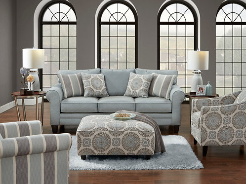 1145 Sofa and Love in Grande Mist