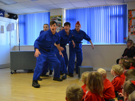 Ditto Theatre Company a Rocketing Success in Shepton Primary Schools