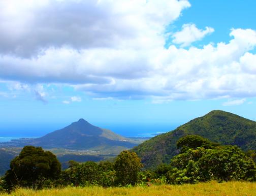Ausblick vom Black River Gorge Nationalpark auf die Westküste von Mauritius