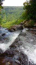 """Am Abgrund des """"Mare aux Joncs"""" Wasserfall im Südwesten von Mauritius"""