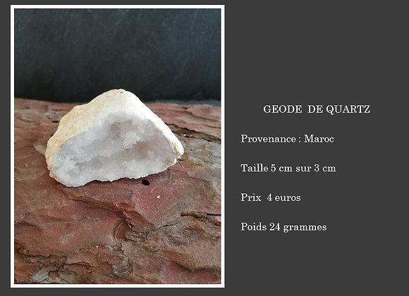 Petite géode de quartz