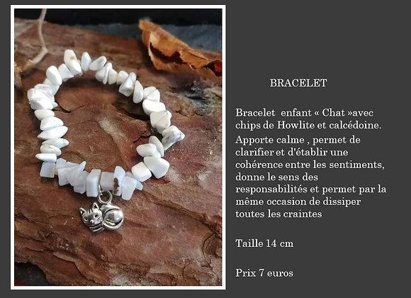 """Bracelet""""Chat""""calcédoine et howlite"""