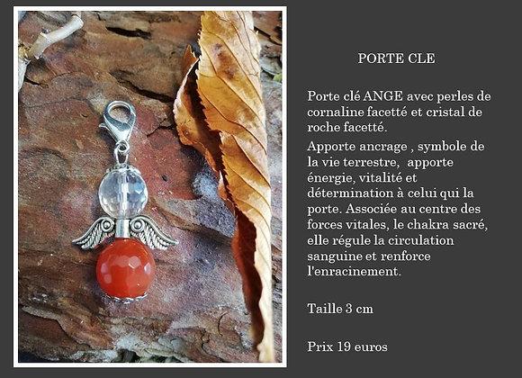 Porte clé Ange avec cornaline et cristal de roche