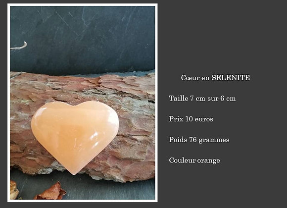 Coeur en sélénite orange
