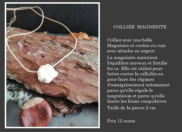 Collier Magnésite